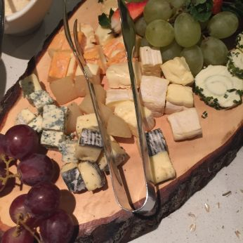 Soft cheese and grapes