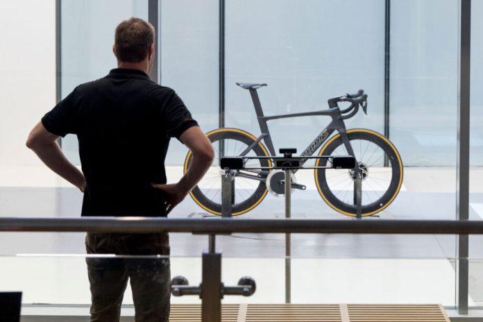 A Specialized Venge equipada com a transmissão Driven da CeramicSpeed torna-se a bicicleta de estrada mais aerodinâmica