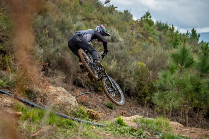 Commencal / Muc-Off by Riding Addiction