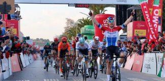 Fabio Jakobsen vence a 1ª etapa da 46.ª Volta ao Algarve Cofidis