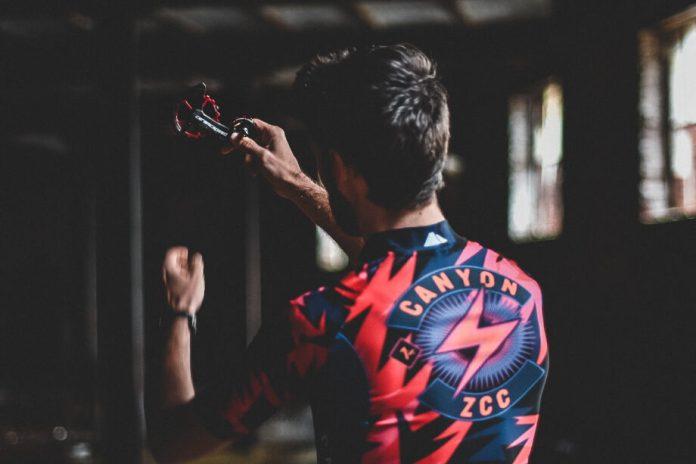 A Ceramicspeed Estabelece Parceria Com A Canyon Zcc, A Primeira Equipa Profissional De Ciclismo Eracing Do Mundo