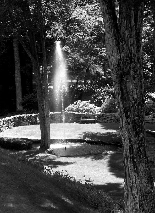 The fountain, one of the attractions that remain today. Photo by Thom Smith