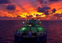 Zeeschip op volle zee