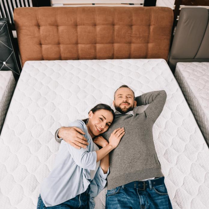 Bed testen proefslapen matras beddenwinkel