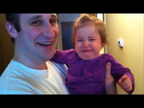 Priceless Reactions of Surprised Babies To Dads Shaving Off Their Beards