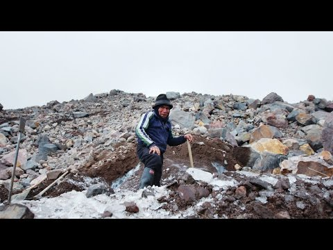Harvesting Glaciers with the Last Ice Merchant | That's Amazing