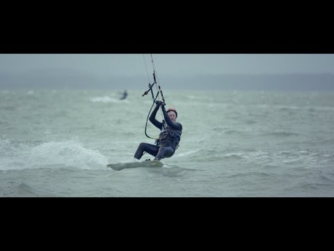 From Tragedy to Triumph: A 77-Year-Old Kitesurfer Takes Flight