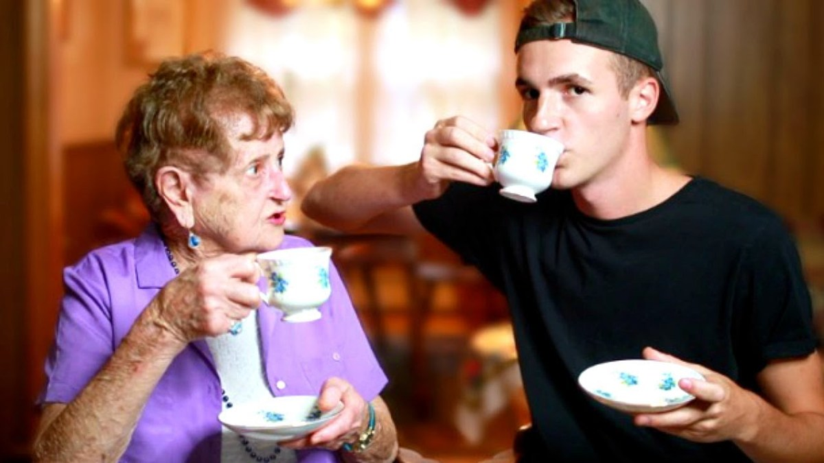 Spilling HOT TEA With My Grandma (DRAMA ALERT LOL)