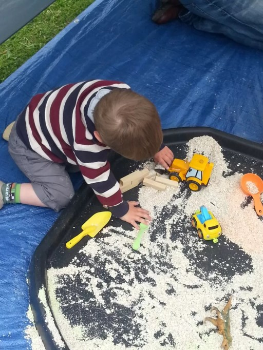 messy play oats
