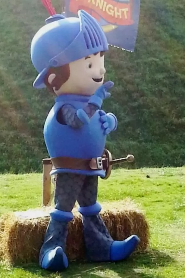 mike the knight at warwick