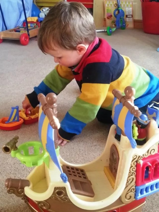 playing with happyland ship