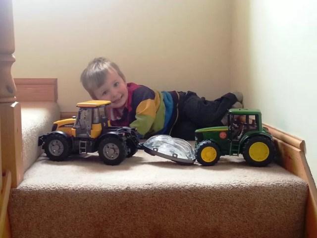 Tractor den