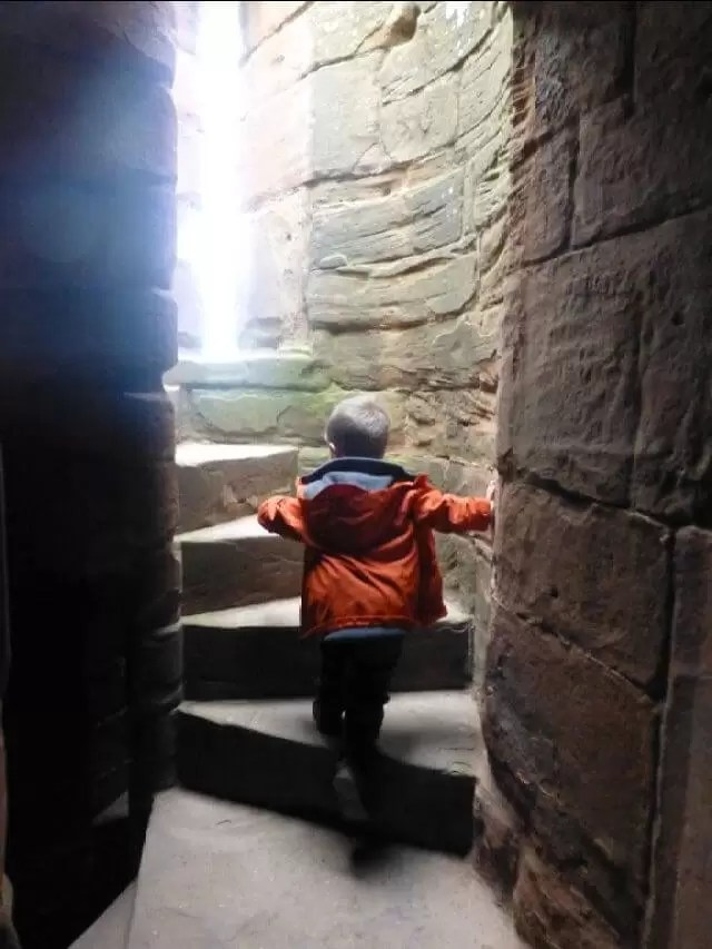 up-the-staircase-in-the-tower at kenilworth