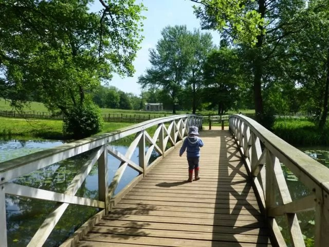 wooden bridge at stowe