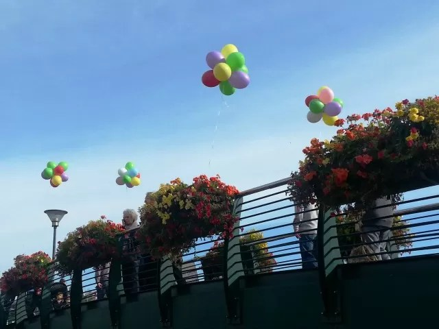 balloons and flowers for canal day