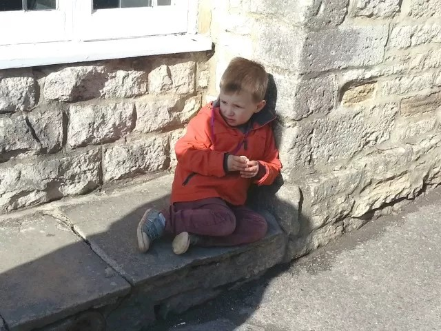 snacking outside corfe castle c
