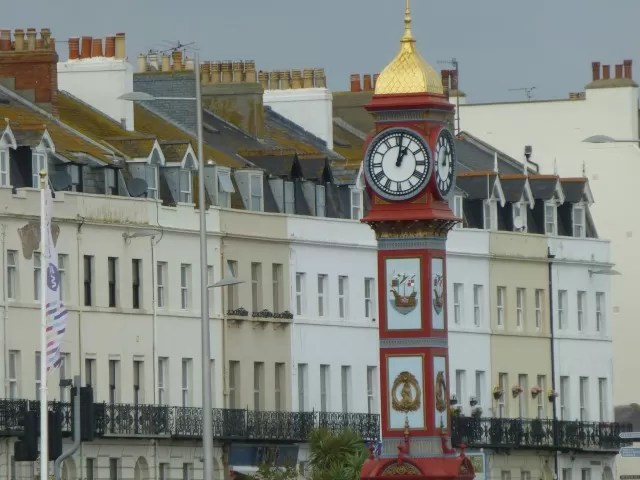 weymouth promenade houses and clock