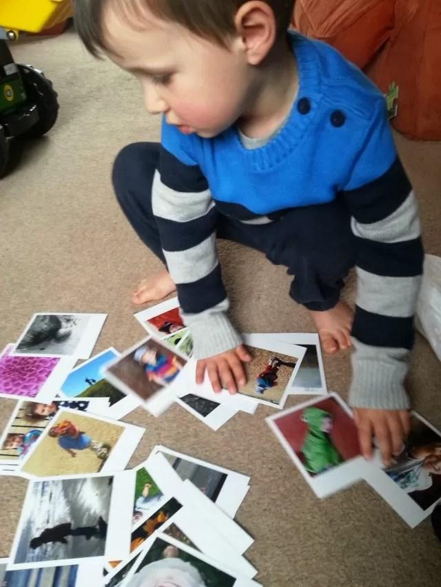 checking photos - Polagram