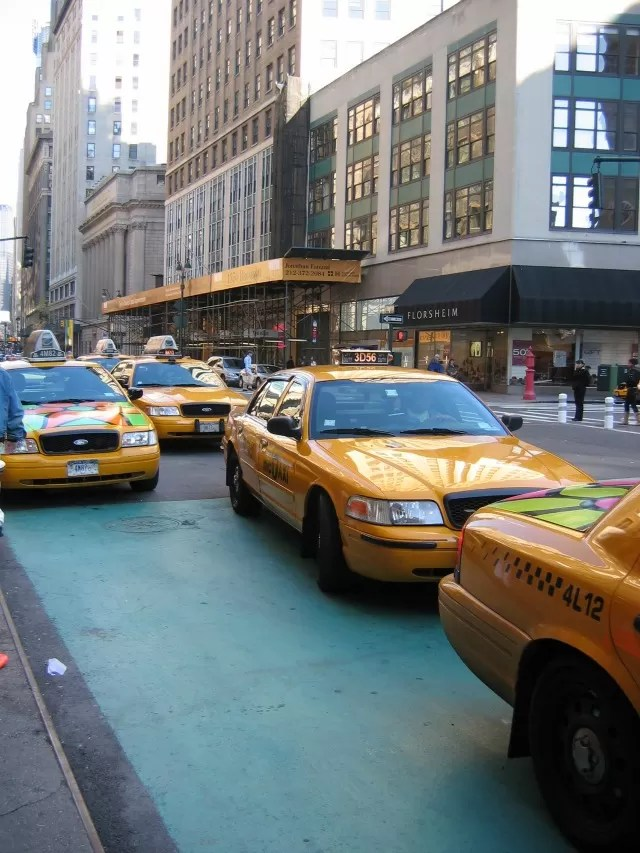 yellow cabs in new york - Bubbablue and me