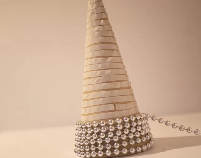 making a beaded christmas tree cone