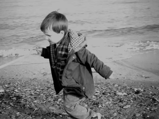 beach running in black and white