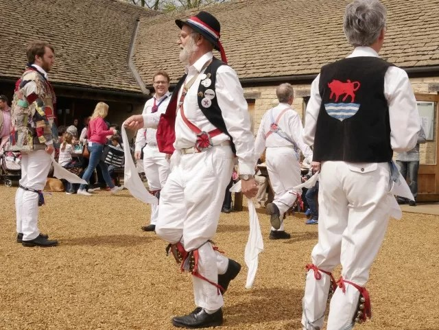 Oxfordshire morris dancers