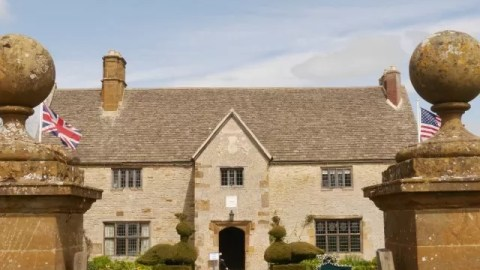 May day celebrations at Sulgrave Manor
