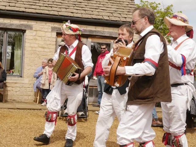 morris dance english folk musicians