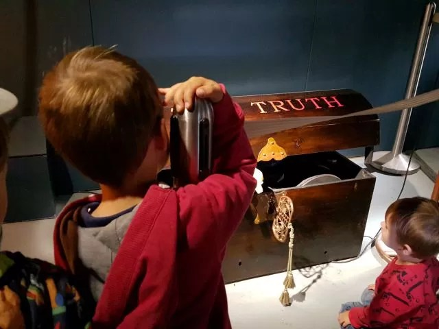The Truth chest - MAD Museum