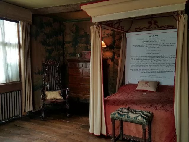 a bedroom at Packwood House