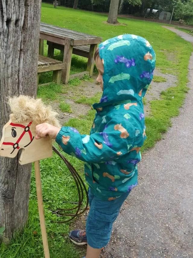 hobby horse entertainment