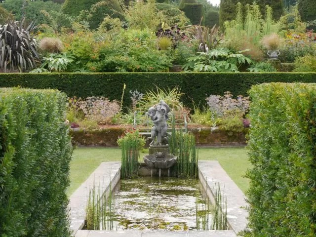 water fountain and pond at Packwood House