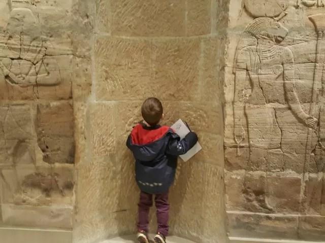 exploring egyptian tombs