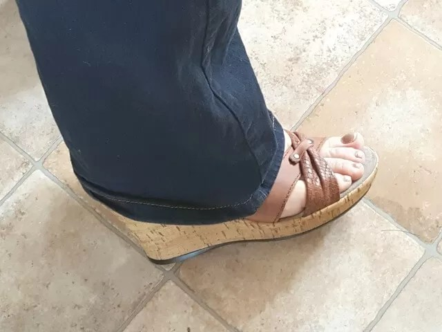 wearing wolky wedges with jeans