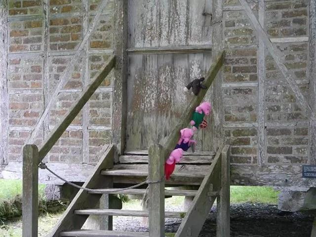 alternative 3 little pigs