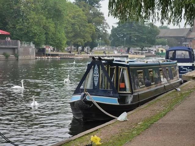 narrow boats in Stratford upon Avon