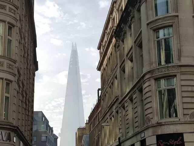 the-shard-through-the-buildings