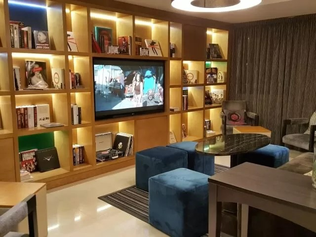k-west-hotel-library
