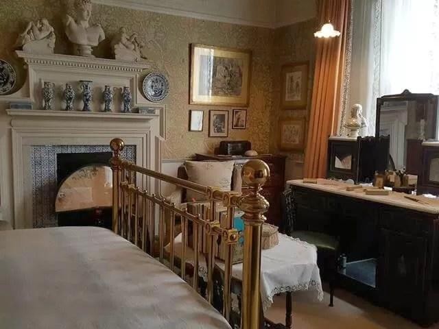 main-bedroom-at-stafford-terrace