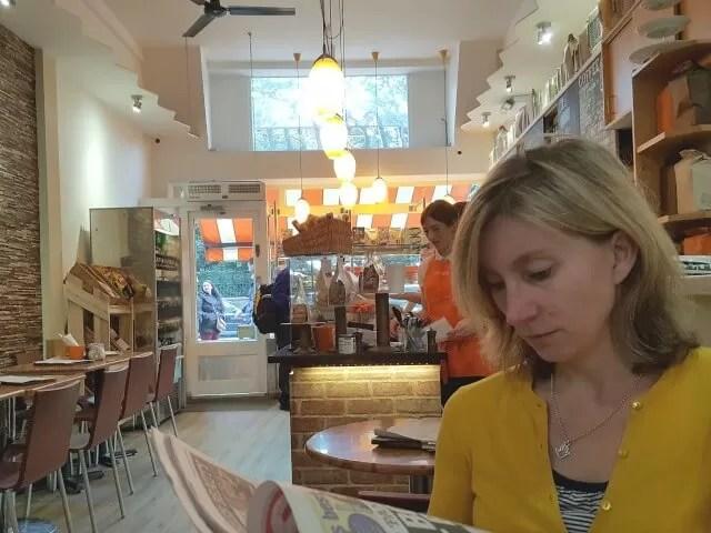 brunch-in-cafe-tarte-holland-park