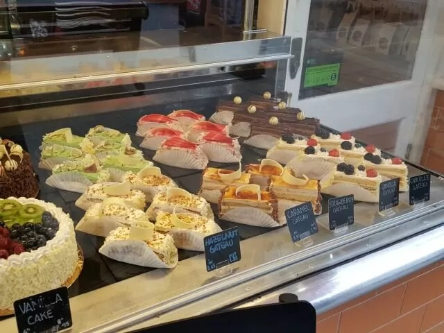 patisserie-at-cafe-tarte