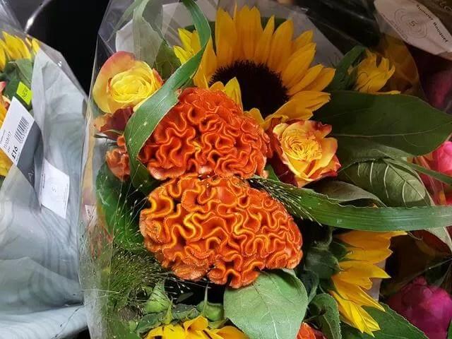 maze like flower bouquet