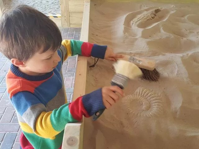 fossil hunting at Dinosaur adventure