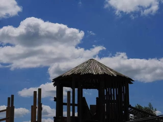 climbing frames at stanwick lakes coutnry park