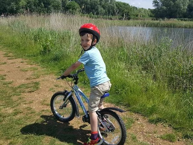 cycling round the lakes at stanwick