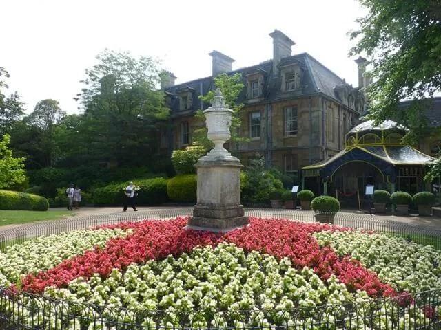 flower display at Waddesdon
