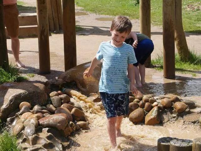 stanwick lakes adventure playground