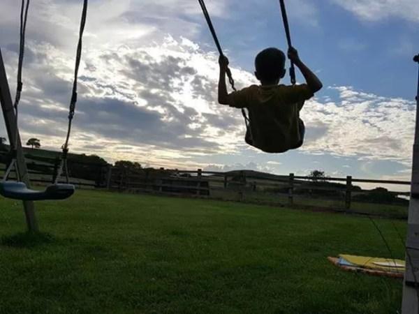 Living Arrows 2017 week 29 - swing in sunset