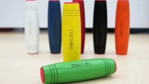 MOKURU fidget toy review – addictive desk toy