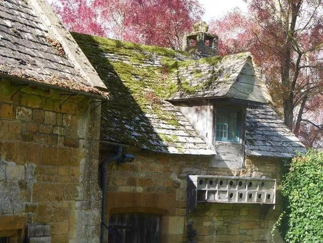 buildings at snowshill manor